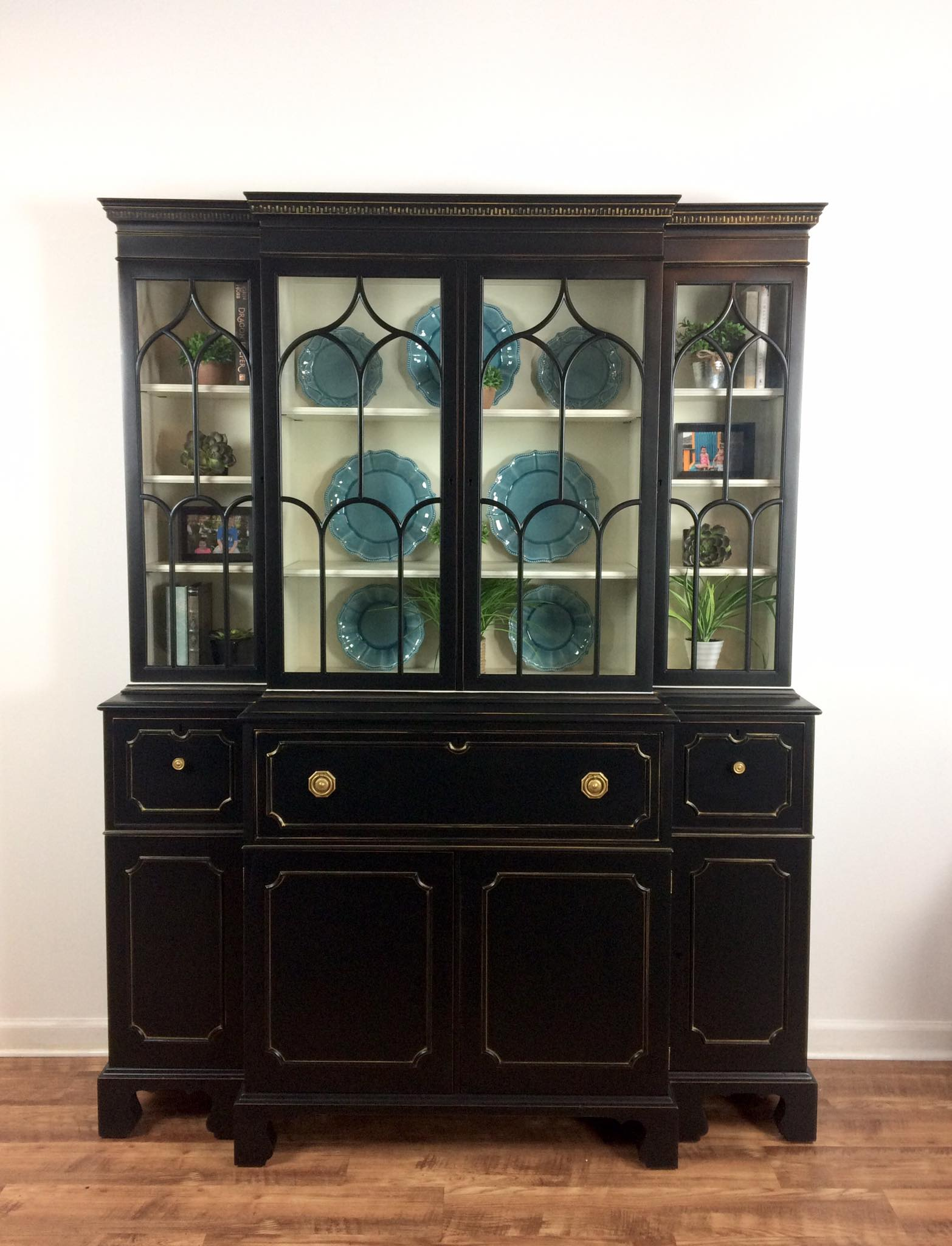 how to use milk paint on cabinets