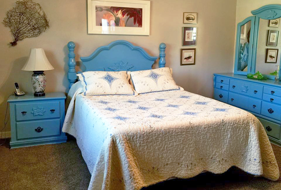Halcyon blue bedroom set general finishes design center for What finish paint for bedroom