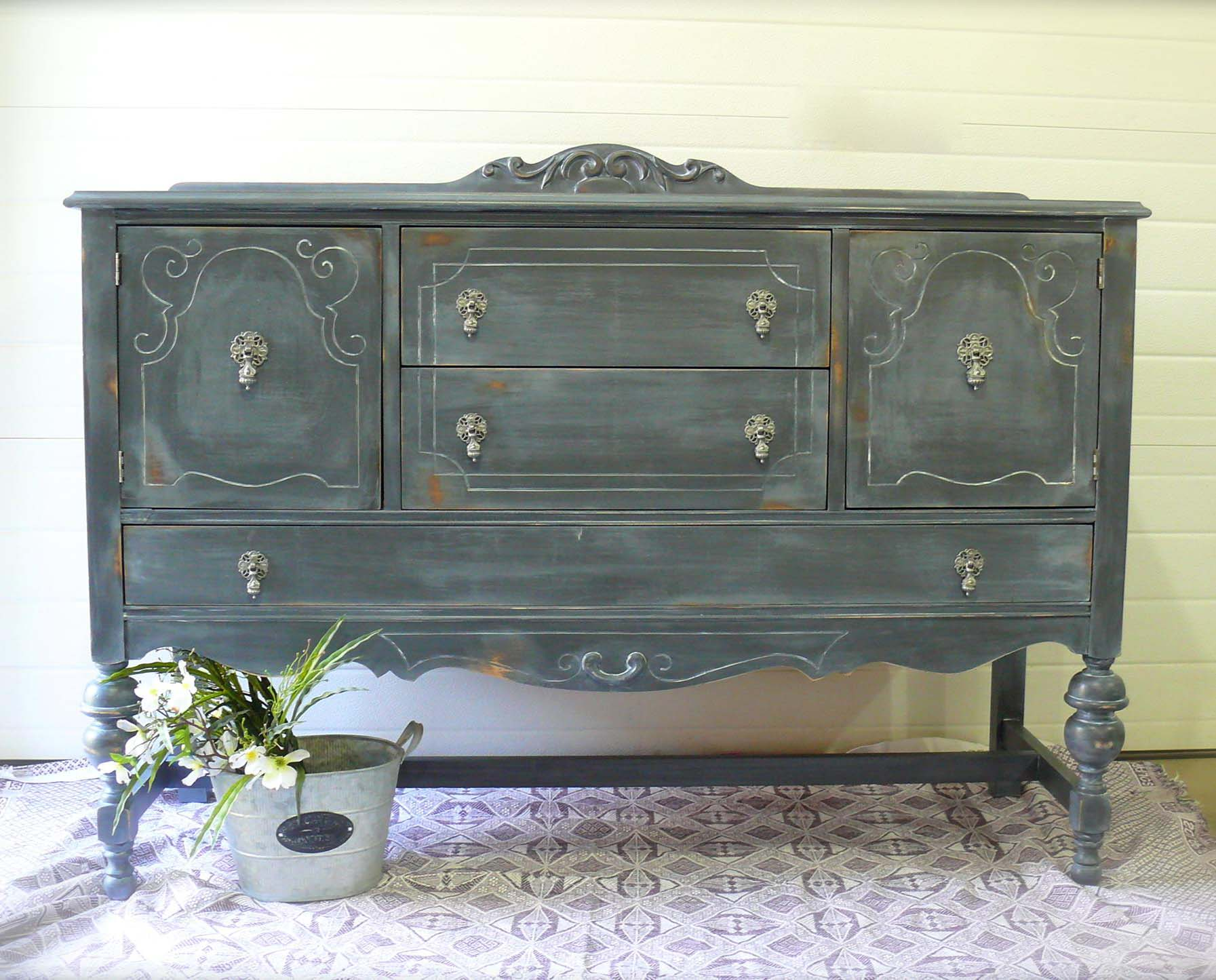 What Does  Coats Of Brown Chalk Paint Look Like