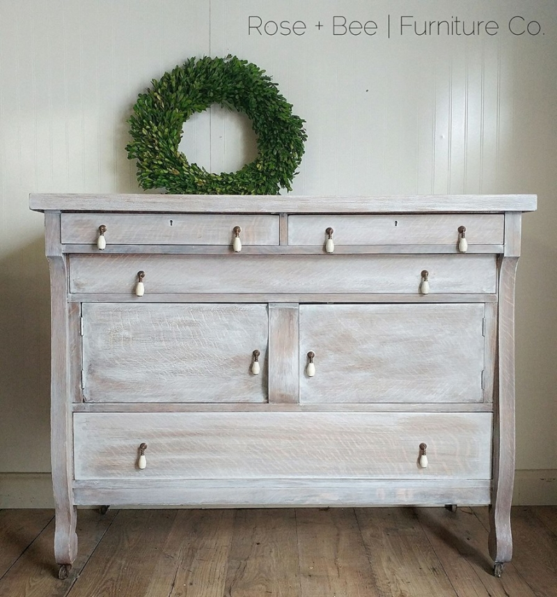Lovely Buffet In Snow White Whitewash