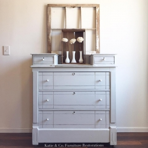 Chest Of Drawers In Seagull Gray
