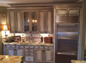 Kitchen Makeover In Enduro White Poly And Van Dyke Brown Glaze Effects