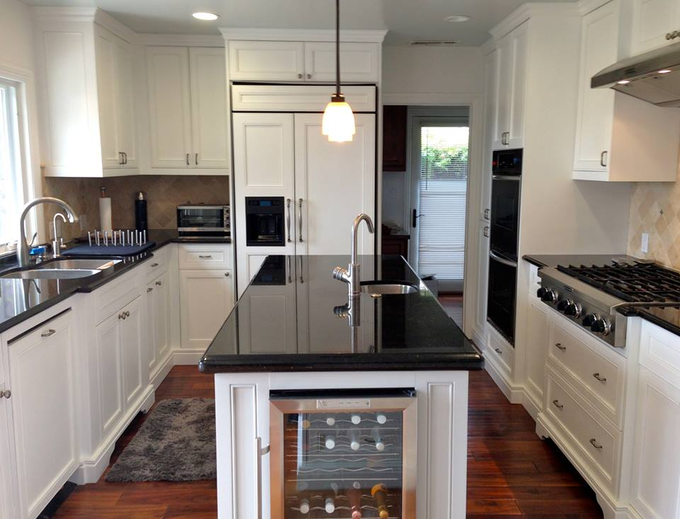 Snow white cabinets general finishes design center for Spraying kitchen cabinets white