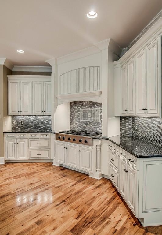 Antique White Kitchen Cabinets Paint