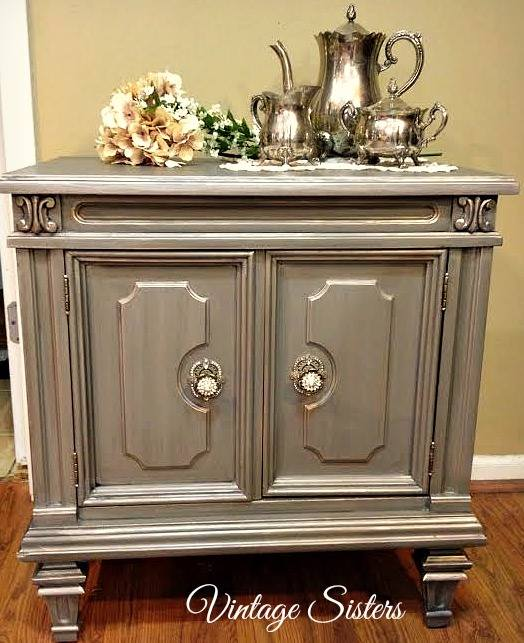 Stunning Side Table In Pearl And Glaze Effects General