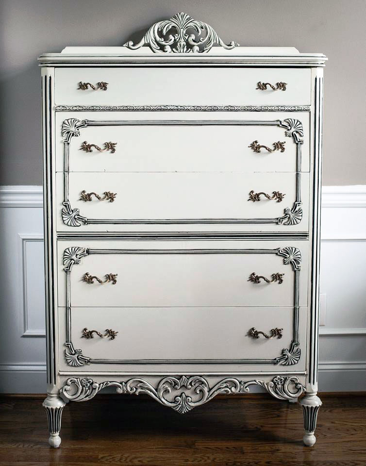 Vintage Vanity And Chest In Antique White And Pitch Black