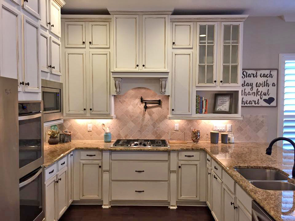 Kitchen Cabinets Highlighted In Van Dyke Brown Glaze Effects General Finishes Design Center