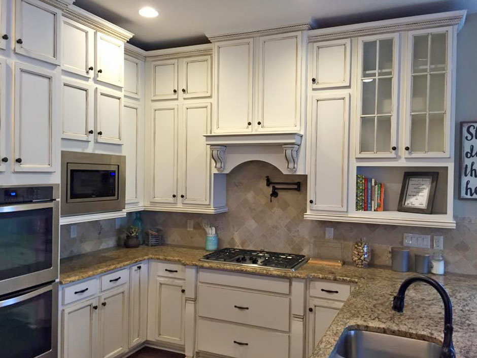 Color To Paint Kitchen With White Cabinets