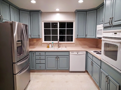 Kitchen Island Colors With Oak Cabinets