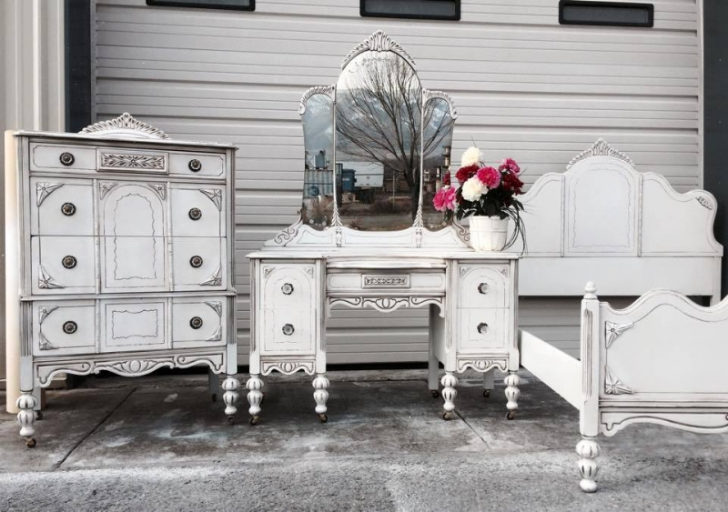 Bedroom furniture set in snow white milk paint and van - Paint finish for bedroom ...
