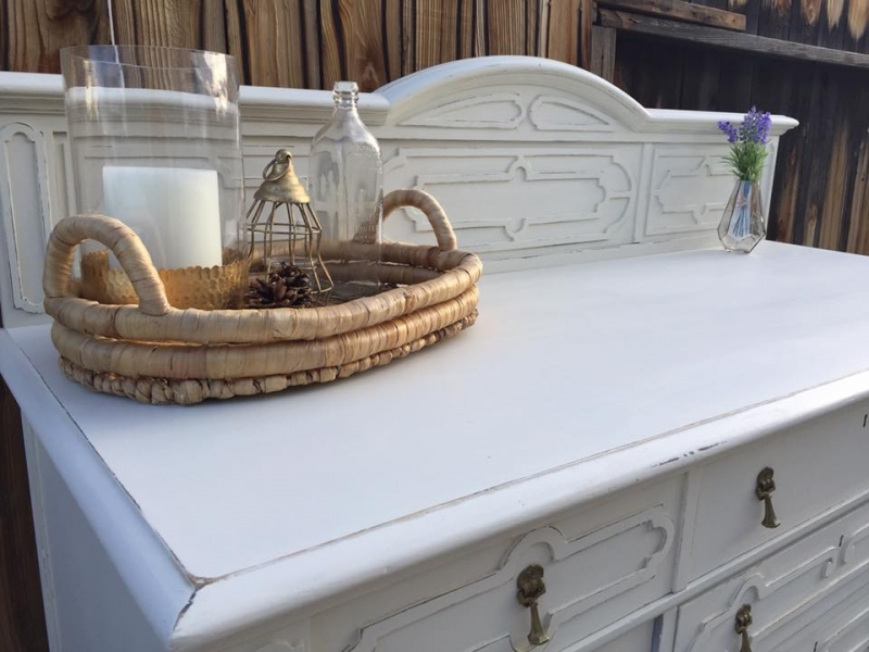 Buffet In Snow White And Antique White Milk Paint