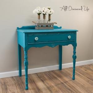 scd-custom-color-furniture-blue-mikayla-20180201-all-dressered-up-end-table-coastal-blue-patina-green-milk-paint-01-general-finishes.jpg?itok=LUHbzfIa