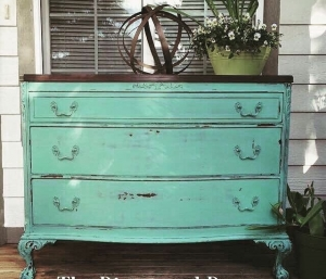 Miss Gorgeous Heather Of The Modern Farmhouse Refinished This Dresser