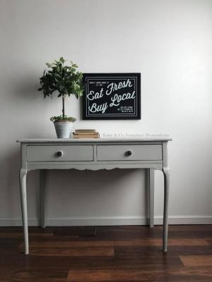 Desk In Seagull Gray Milk Paint