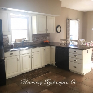 antique white kitchen cabinets     design ideas featuring upcycled kitchen and bath   general      rh   designs generalfinishes com