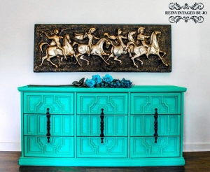 Turquoise Buffet